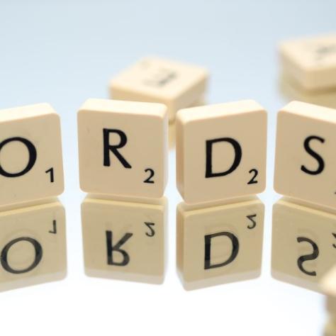 cropped-alphabet-close-up-game-695571